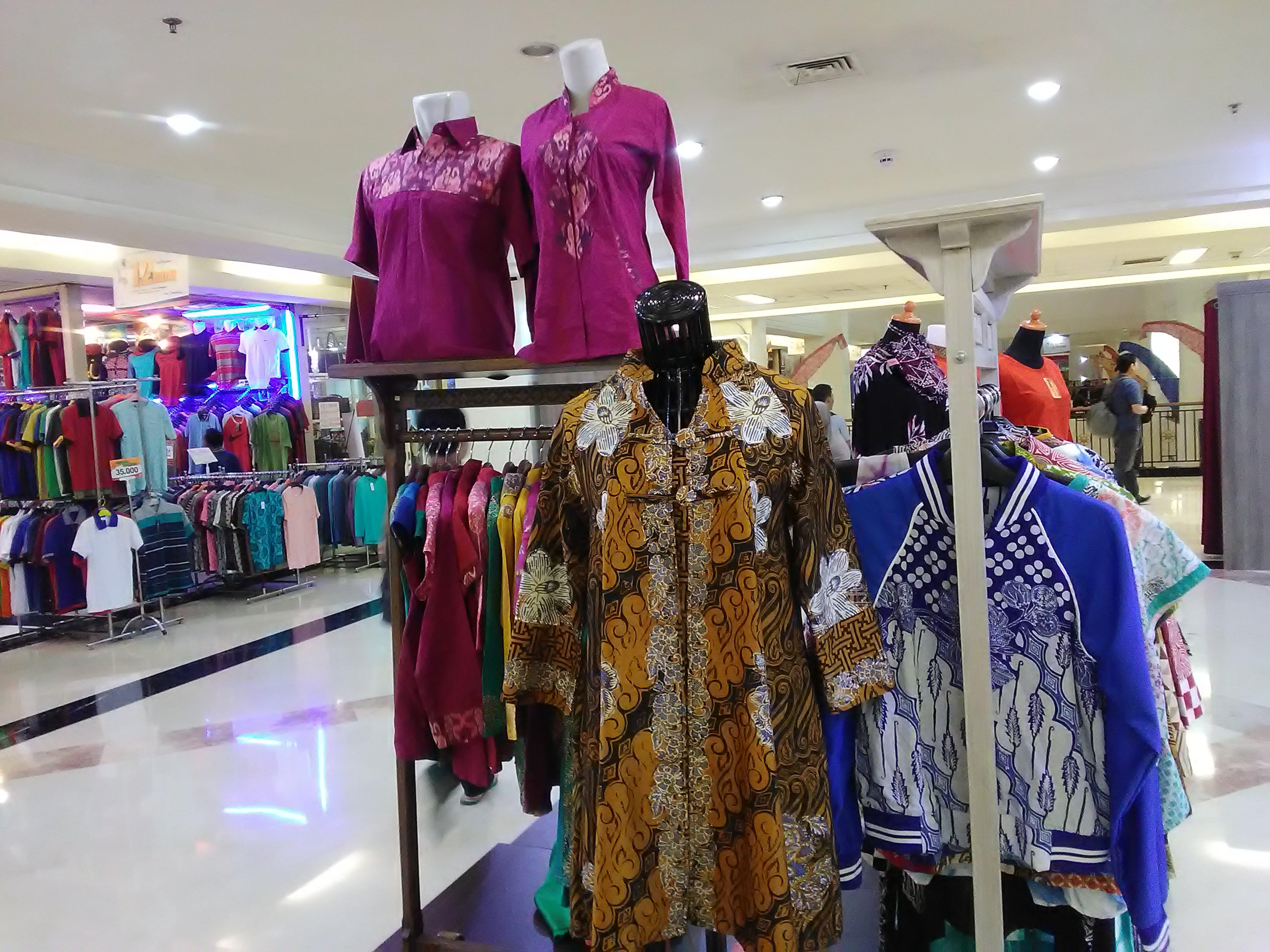 RenaldiRey.id - Pusatnya Batik di Jakarta ya ITC Permata Hijau Tentunya!